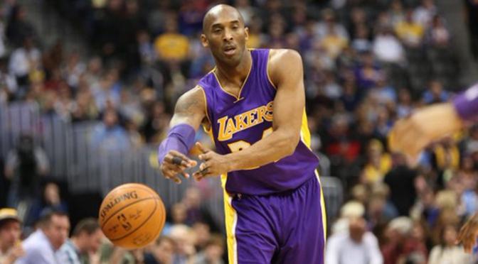 Kobe Bryant muere en un accidente de helicóptero.