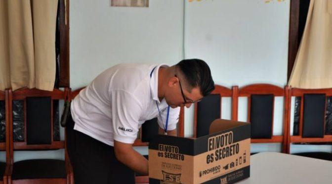 Inician elecciones municipales en Costa Rica.
