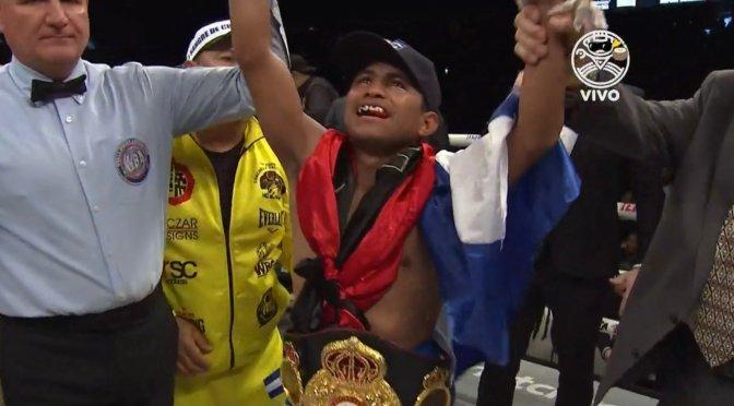 """Román """"El Chocolatito"""" González conquistó su quinto título mundial."""