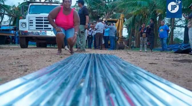 Gobierno de Nicaragua envía más de cien mil láminas de zinc al Caribe.