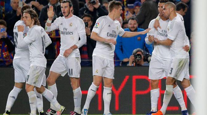 Real Madrid gana 2-1 al Barcelona y es líder de La Liga.
