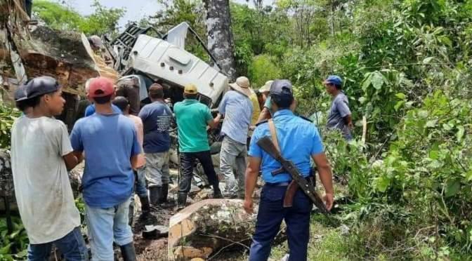 Trágico accidente deja dos personas fallecidas en Muelle de los Bueyes.