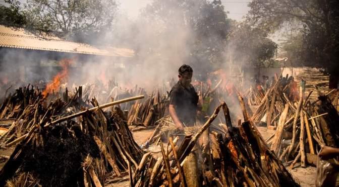 """India, el """"devastador recordatorio"""" de lo que puede hacer la pandemia."""