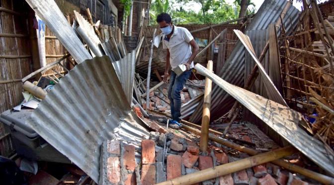 Alerta por fuerte sismo en la India.
