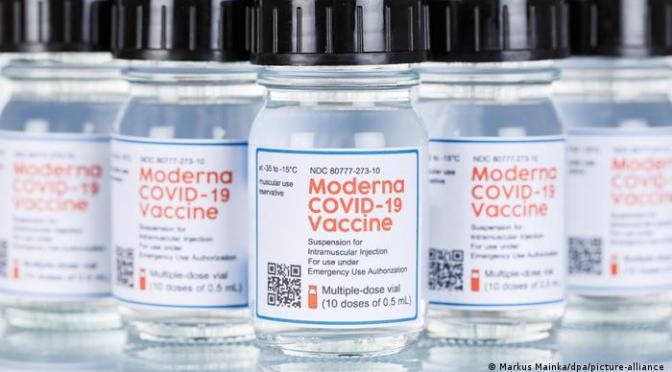 Vacuna COVID-19 de Moderna demuestra ser prometedora ante vairante Delta.